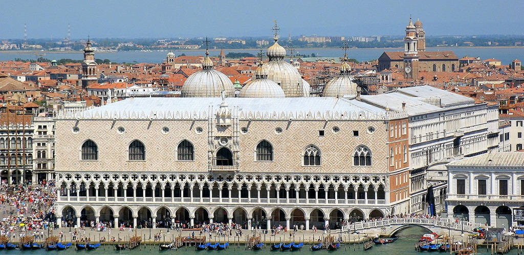 Doges Palace in Venice1